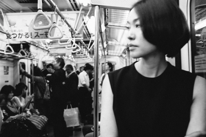 bw_subway_woman