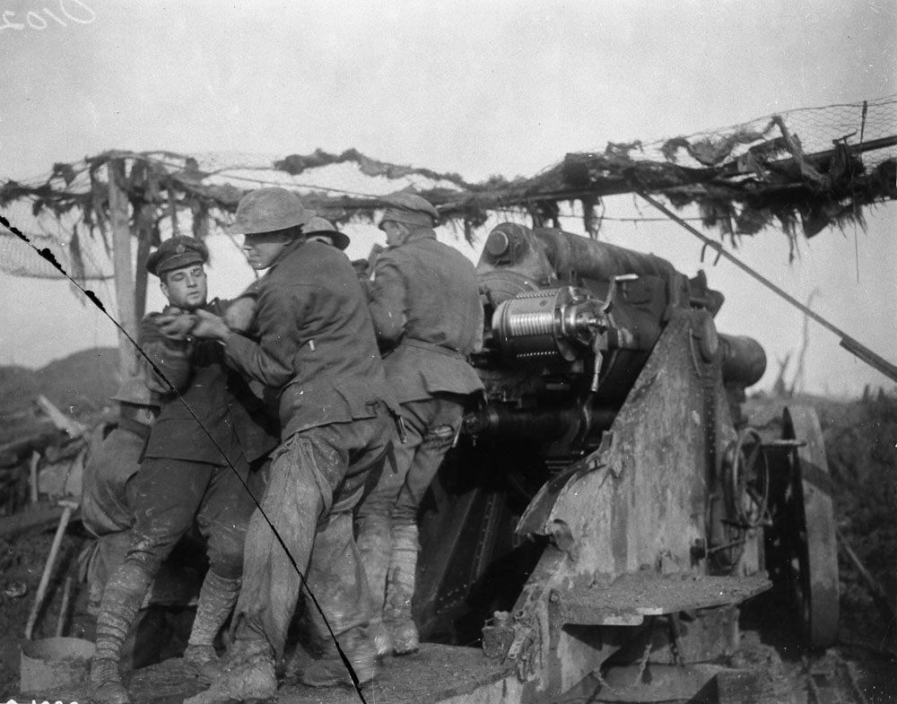 Canadian heavy howitzer on the Somme, November 1916. (Photo via the Canadian Library and Archives