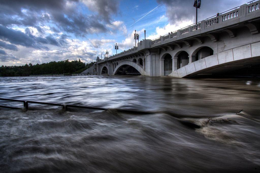 Centre Street Bridge, Calgary floods, 2013