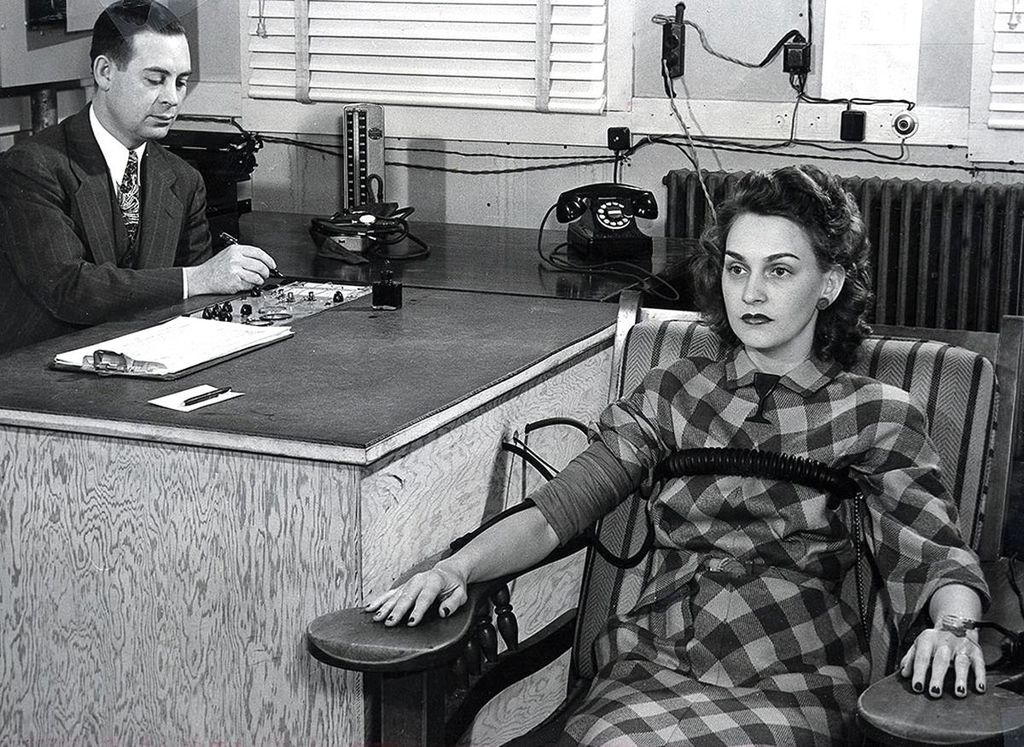 Security screening at the Clinton Engineer Works. Lie detector test, circa 1945 (By Ed Westcott, Public Domain, via Wikimedia Commons)
