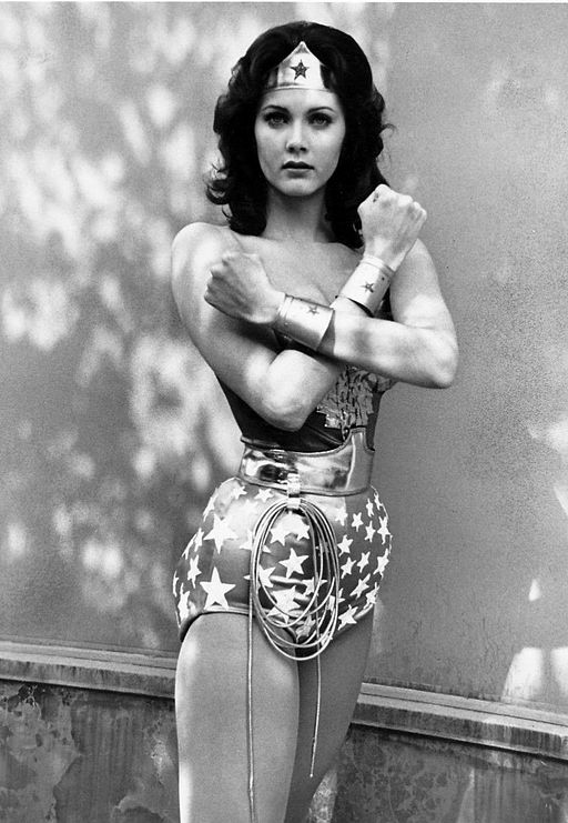 Lynda Carter, Wonder Woman (By ABC Television (eBay item photo front photo back) [Public domain], via Wikimedia Commons)