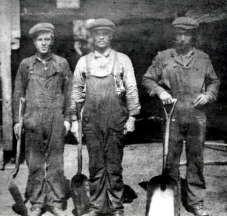 Miners at Dominion #6 Colliery, Cape Breton, 1920. (Source: Beaton Institute https://beatoninstitute.com/dominion-13)