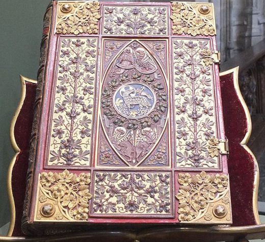 Large Roman Missal with inlaid gold. (Photo by Ad Meskens, own work, GFDL http://www.gnu.org/copyleft/fdl.html, via Wikimedia Commons)
