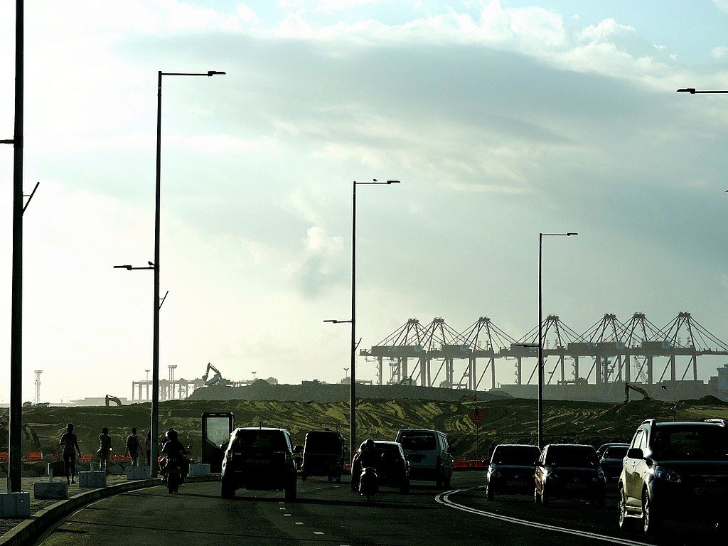 Colombo Port City seen from the Galle Road. (Photo by Dinil Samarasinha, own work, CC BY-SA 4.0 https://creativecommons.org/licenses/by-sa/4.0, via Wikimedia Commons)