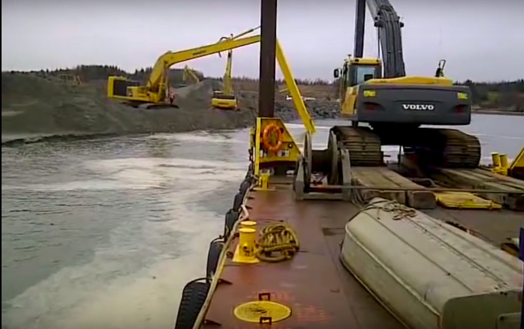 Sydney harbor dredging project, 2012. (Source: YouTube https://www.youtube.com/watch?v=u5m8WPL5DR0)
