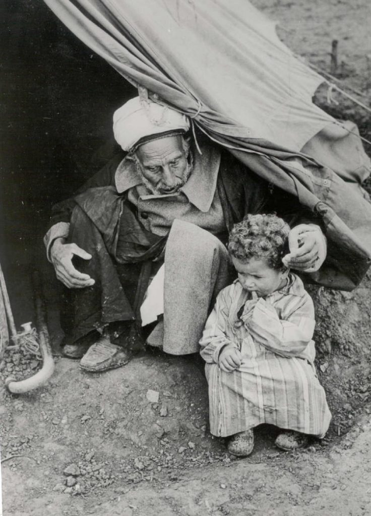 Palestinian refugees, 1948. (By hanini (hanini.org) [GFDL (http://www.gnu.org/copyleft/fdl.html) or CC BY 3.0 (https://creativecommons.org/licenses/by/3.0)], via Wikimedia Commons)