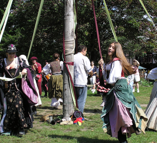 2004 New York Renaissance Faire in the Maypole Meadow. KenL at English Wikipedia [Public domain]