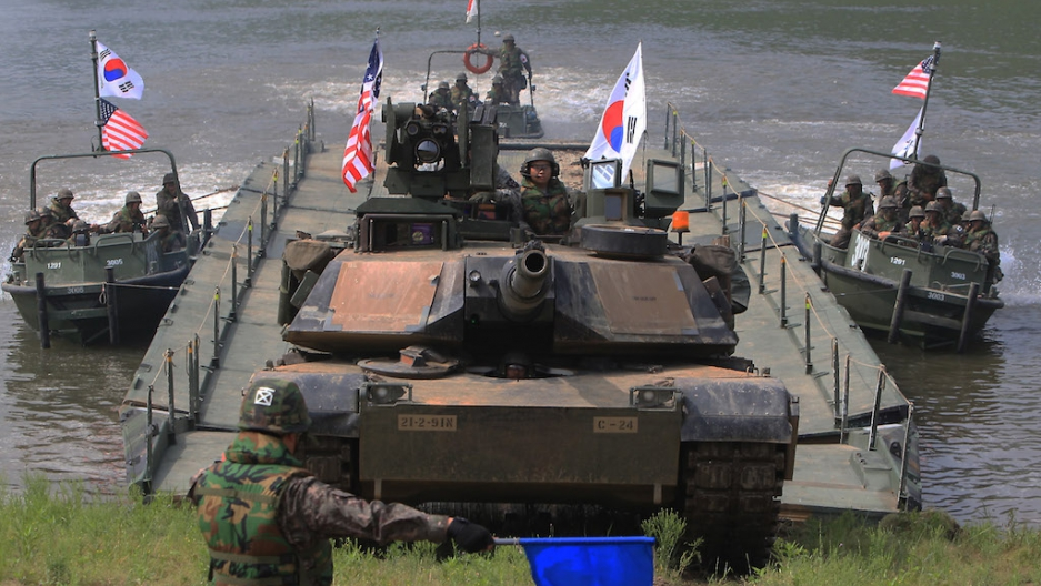 US and South Korean soldiers participate in a river crossing exercise on May 30, 2013 in South Korea