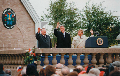Dedication of the National Czech & Slovak Museum & Library in Cedar Rapids, Iowa, 1995. Presidents Bill Clinton of the United States, Václav Havel of the Czech Republic and Michal Kováč of the Slovak Republic.