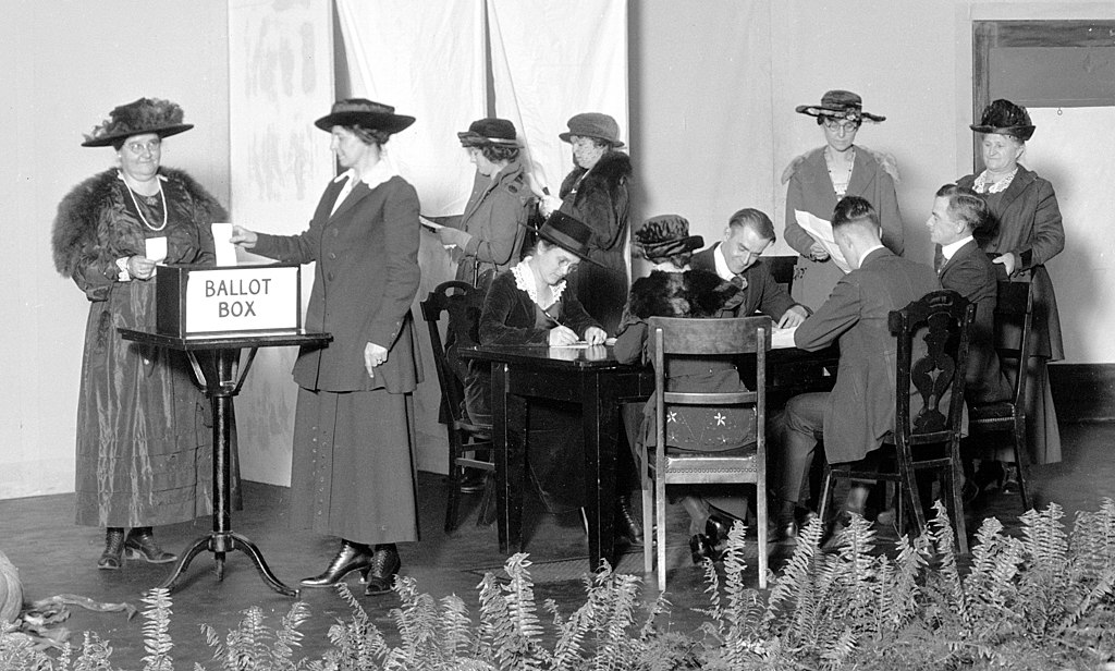 Women learn to vote at NCR in Dayton on Oct. 27, 1920. NCR ARCHIVES AT DAYTON HISTORY