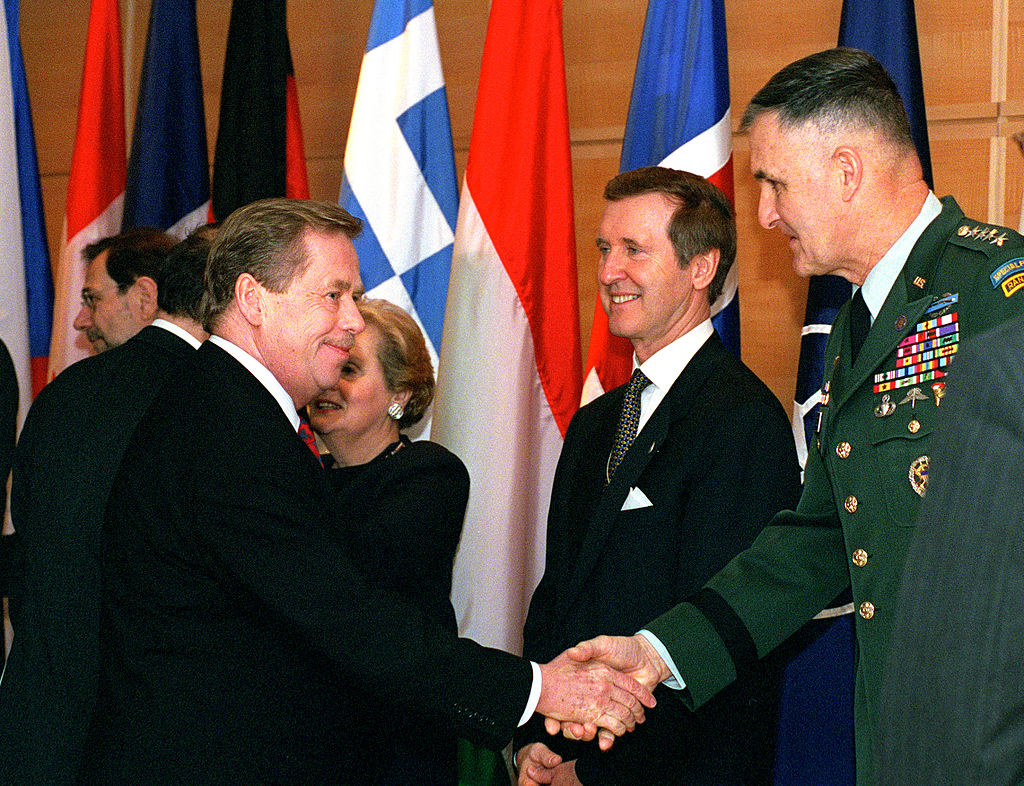 Vaclav Havel and General Henry H. Shelton.