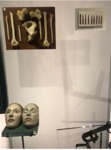 Exhibit from Sortir de sa réserve: 400 objets d'émotion